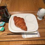 早朝に三島駅から新幹線で出張するときにはモーニングメニューがある「箱根ベーカリー」がおすすめ!