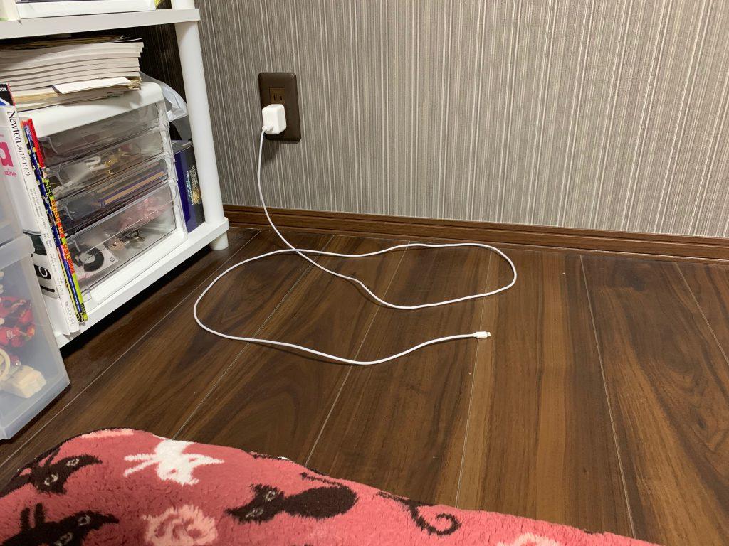 寝室のiPad用アダプタ